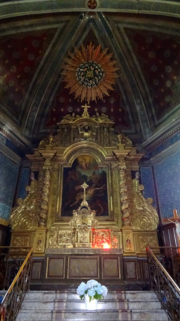 Le retable baroque dans l'église saint Laurent de Cambo
